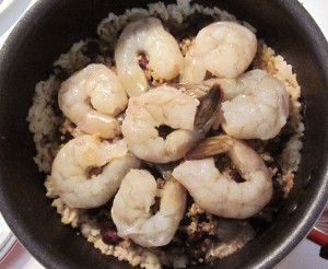 Warning: Cooking the shrimp with the tahdig is very bad!